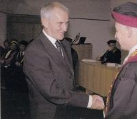 Předání zlaté medaile Technické univerzity Josefu Mevaldovi