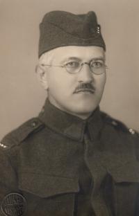 Děd z otcovy strany - četař ČSL armády během mobilizace 1938