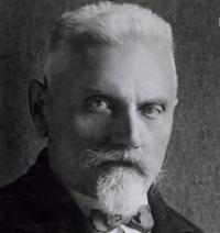 Josef Ležák (1874-1947). Novinář, spisovatel a dědeček Jana Kalvody