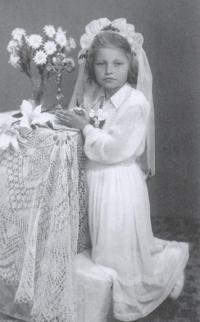 Magda u prvního svatého přijímání, Stropkov 1953