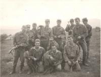 Se spolužáky během studií na Vojenské střední odborné škole tankové a automobilní, Nitra, kolem r. 1989
