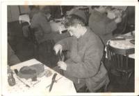 Během studia střední školy, kolem r. 1989