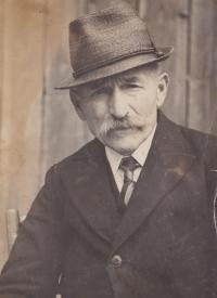 František Hanauer, dědeček Bedřicha Hanauera mladšího, který vlastnil statek v Radňově od devadesátých let devatenáctého století