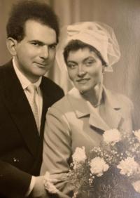 Svatební fotografie, MUDr. Jiří Koref se svojí manželkou