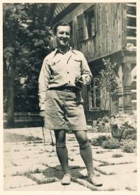 Strýc pamětníka Vladimír Grégr asi v roce 1937