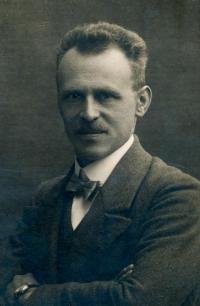 Jan John, otec pamětnice (*1885)