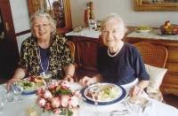 Se sestrou Margitou v roce 2003