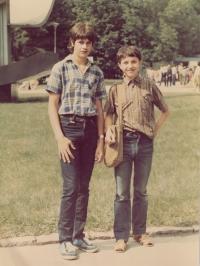 Miroslav Fleischman (vpravo) s přítelem Vladimírem Vaštou, cca 1982