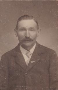 Dědeček František Hanauer, nar. 1865. Statek v Radňově vlastnil už od svých pětadvaceti let