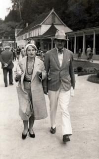 Karel Pexidr´s parents in Carlsbad (Karlovy Vary); 1946