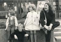 S dětmi v roce 1978