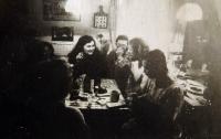 V roce 1980 na Hrádečku u Václava Havla