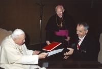 Pavel Jajtner handing over the credentials to the Pope John Paul II., April 2003
