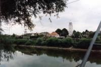 Záhorská Ves na snímku z pravého břehu řeky Moravy v Rakousku / léto 1990