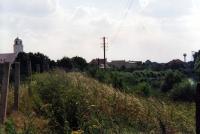 Betonové sloupky signální stěny na československé hranici s Rakouskem v Záhorské Vsi / léto 1990
