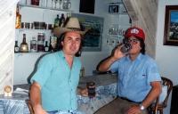 Jiří Barteček s textařem, výtvarníkem a hlavní osobností kapely Greenhorns Janem Vyčítalem v Los Angeles / 1992