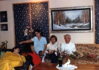 Los Angeles / vlevo manželka Jiřího Bartečka Rosi / uprostřed bratr Bohuslav / vpravo otec Jaroslav / 1983