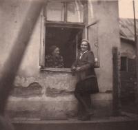 Mutter und Schwester nach dem Krieg