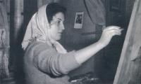 Dana Puchnarová v roce 1958 v bytě na Smíchově