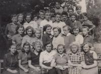 Fotografie z měšťanské školy v tehdejším Gottwaldově, 1949-1950