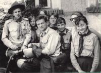 Karel Fáber uprostřed,  Junák 1968