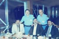 Ladislav Vitoul v misi OSN v Iráku s budoucím prezidentem Iráku Džalálem Talabáním (vpravo dole)
