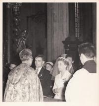Svatba 1961, Týnský chrám