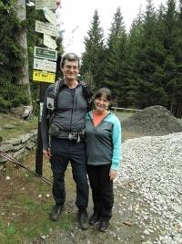 Tomáš, bratr pamětníka, se ženou Majkou na výletě na Ostrý, 2019