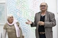 Dana Puchnarová s Josefem Achrerem na vernisáži výstavy v galerii Dolmen v Praze v roce 2013