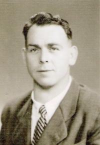 Otec po návratu domů, 1947