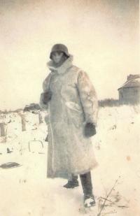 Otec v maskovacím obleku vojáka německé armády, 40. léta