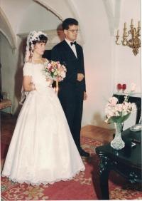 Svatební fotografie Jana a Edity Lachmanových, zámek Červená Lhota, 13. září 1996