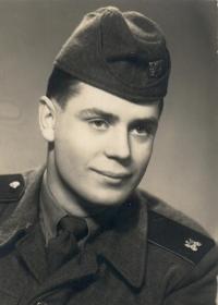 Jiří Frank v době výkonu voj. služby (1957–1959)