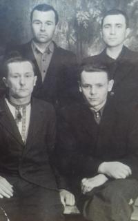 Z pracovního tábora v Magadanu, vlevo nahoře Anton Stepanovič Kostjuk