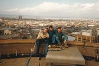 Josef Motyčka (uprostřed) při opravě mrakodrapu v Melbourne, 1987