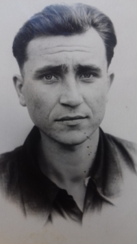 Anton Stepanovič Kostjuk v Magadanu, 1956
