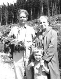 S prarodiči v Harrachově, 1971