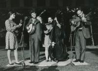McLain Family Band na americké ambasádě v Praze, 5. června 1975