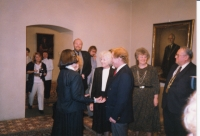 Hana Junová vítá manžele Havlovy, Světový kongres rodinné terapie, 1991