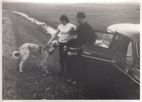 Hana Junová, Alexander Dubček, syn Honza a pes
