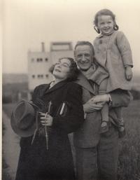 Hana Smržová-Junová, Miroslav Rutte, Maru Marta Russová, 1942