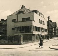 Dům v Hermelitské, kde Smržovi žili, 40. léta