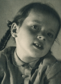 Hana Junová, cca 1944