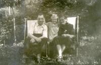 Strýc, Marie, teta; 1949