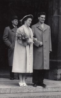 Svatba Junových
