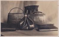 Výroba jemného koženého zboží z dílny Jana Trpáka