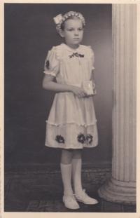 Sestra Jana u prvního svatého přijímání, 1952