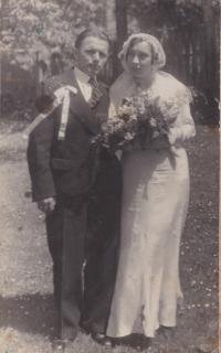 Svatební fotografie Josefa a Emilie Trpákových, 1935