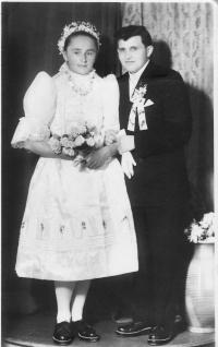 Svadobná fotografia Anny Kováčovej a Petra Daňka, 1960