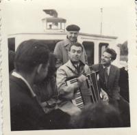 Svitáček a Brousil, výlet FAMU, 1952